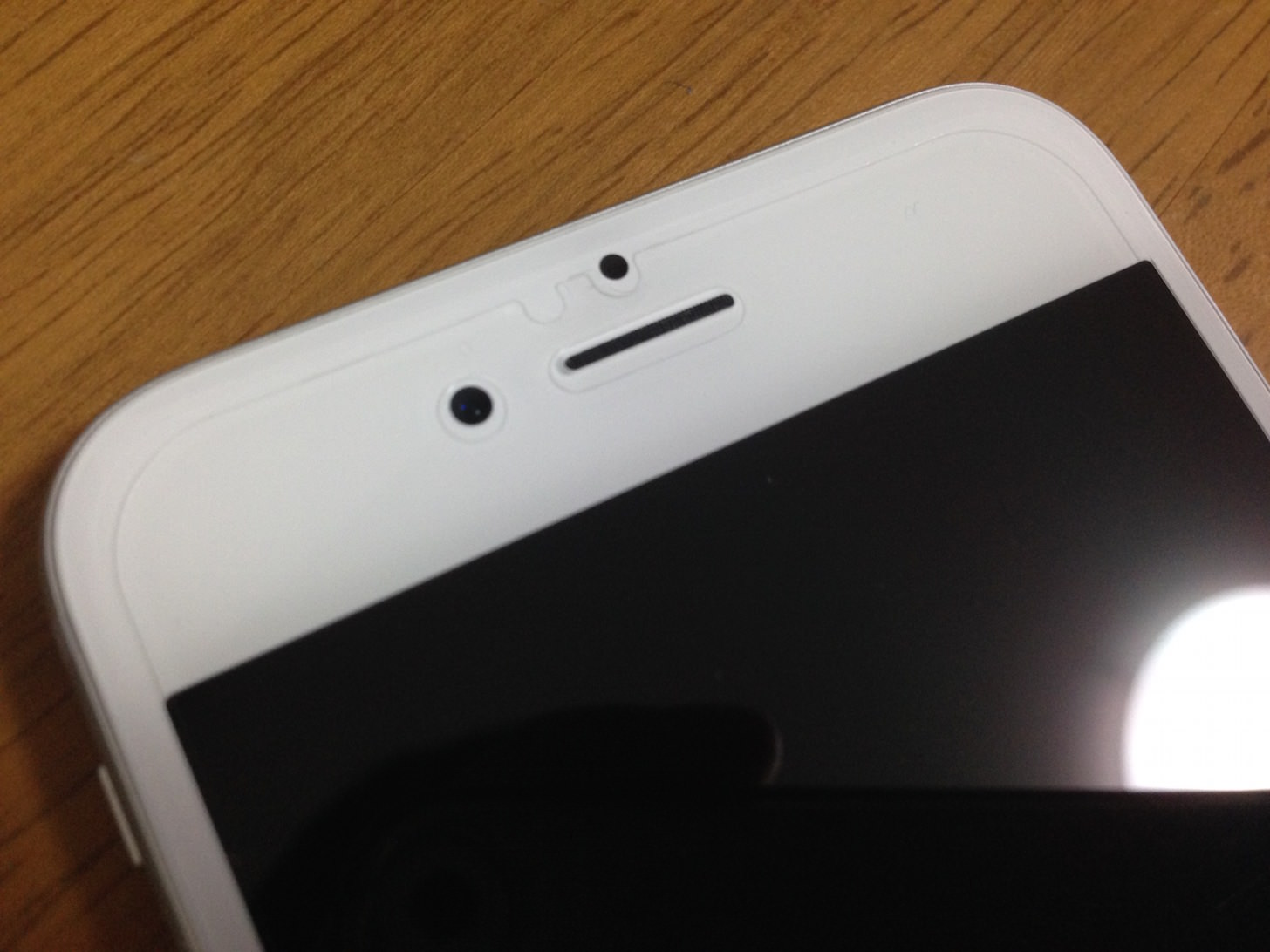 iPhone6 保護フィルム貼った2