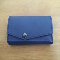 「小さい財布 abrAsus」レビュー!コンパクトで最高!