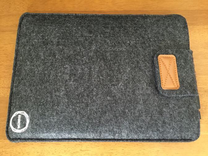 Essential Macbook Air 13.3用スエードプロテクターケース