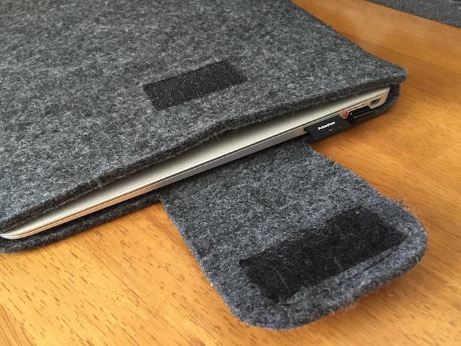 MacBook Air ケースにMacBook Airを入れてみた