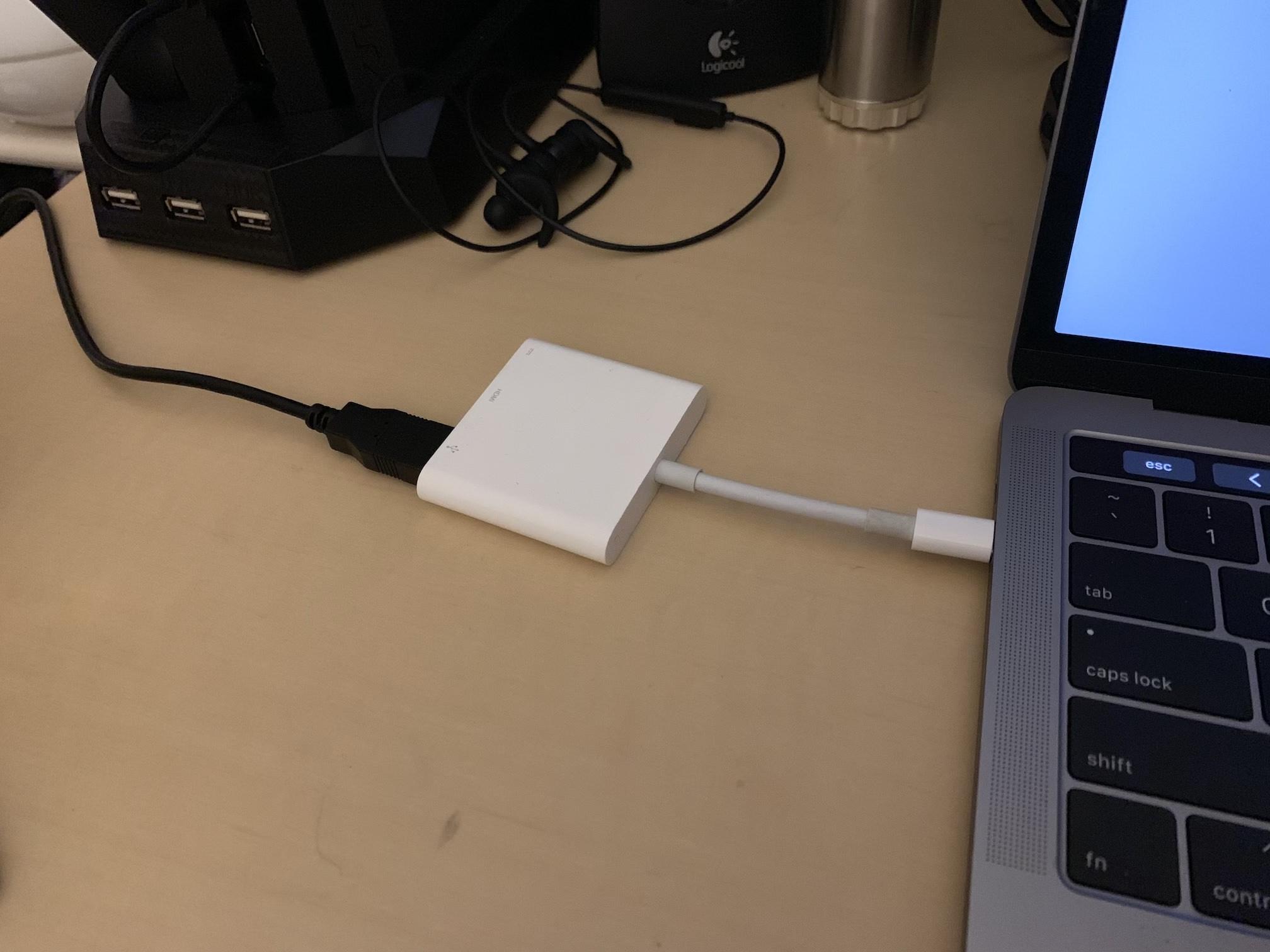 USB-C 変換アダプタ