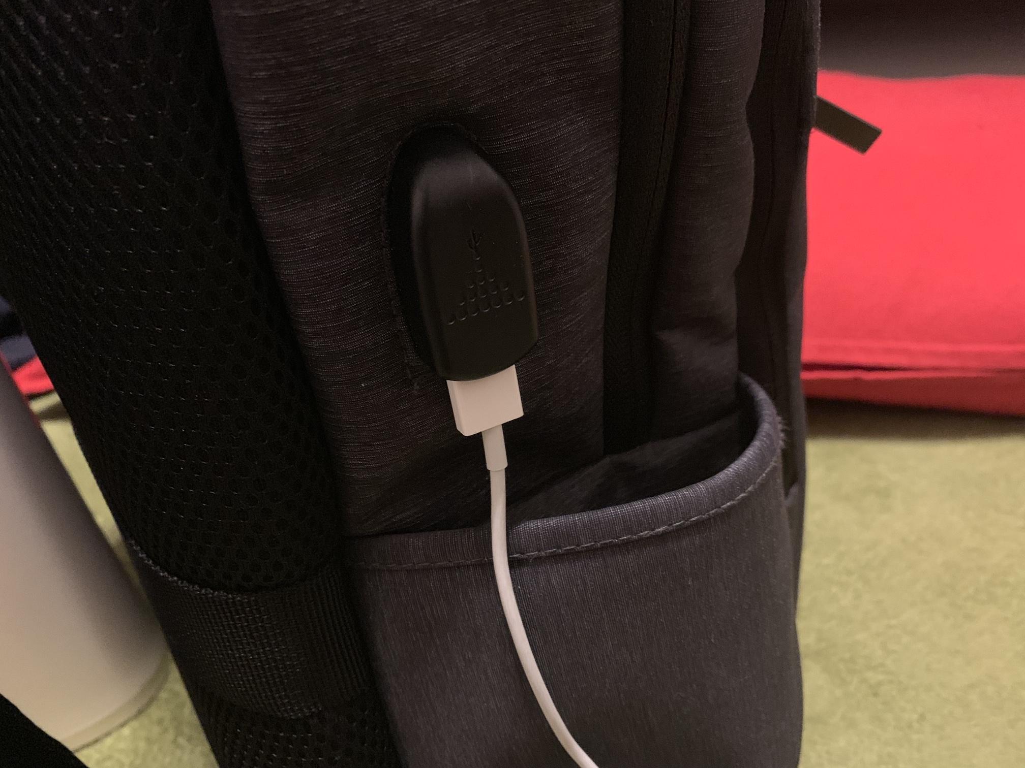 SLOTAM ビジネスリュック USBポート